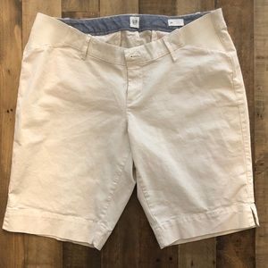 Gap maternity Bermuda shorts. Size 12. Khaki color